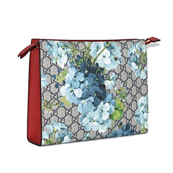ce07e4e7a Gucci Bags | New Large Blooms Gg Supreme Canvas Clutch | Poshmark